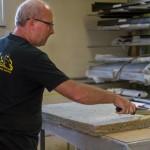 Fraix Didier – Technicien Contrôle en train d'isoler un four