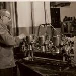 Au début du siècle dans l'usine UNIC - propriété d'UNIC