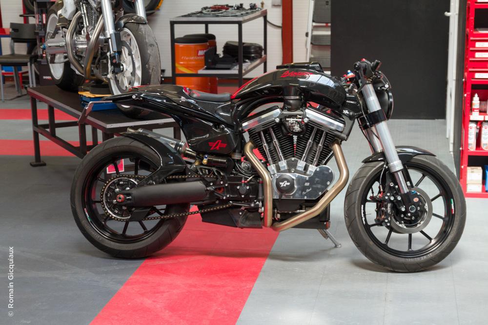 AVINTON-moto française-atelier-18