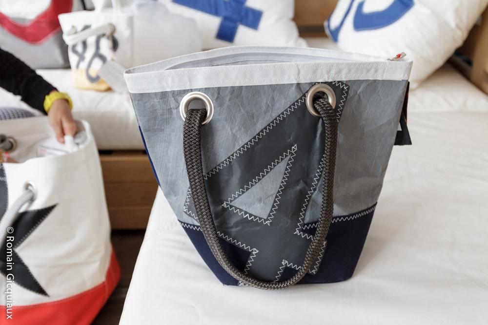 etape 15 727 sailbags recycleur de voiles de bateaux. Black Bedroom Furniture Sets. Home Design Ideas