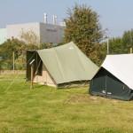 Le coeur de métier de Cabanon: les tentes. Ici, deux canadiennes.