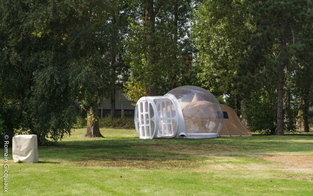 Une bulle de plastique pour le camping insolite